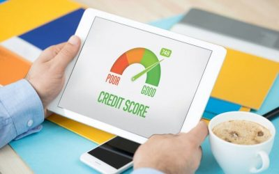 What is the average Canadian credit score?